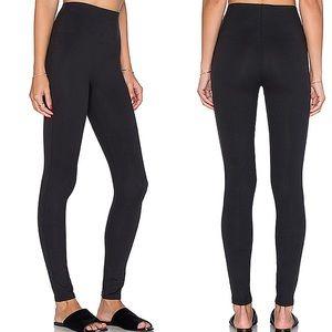 Spanx Essential Leggings in Very Black